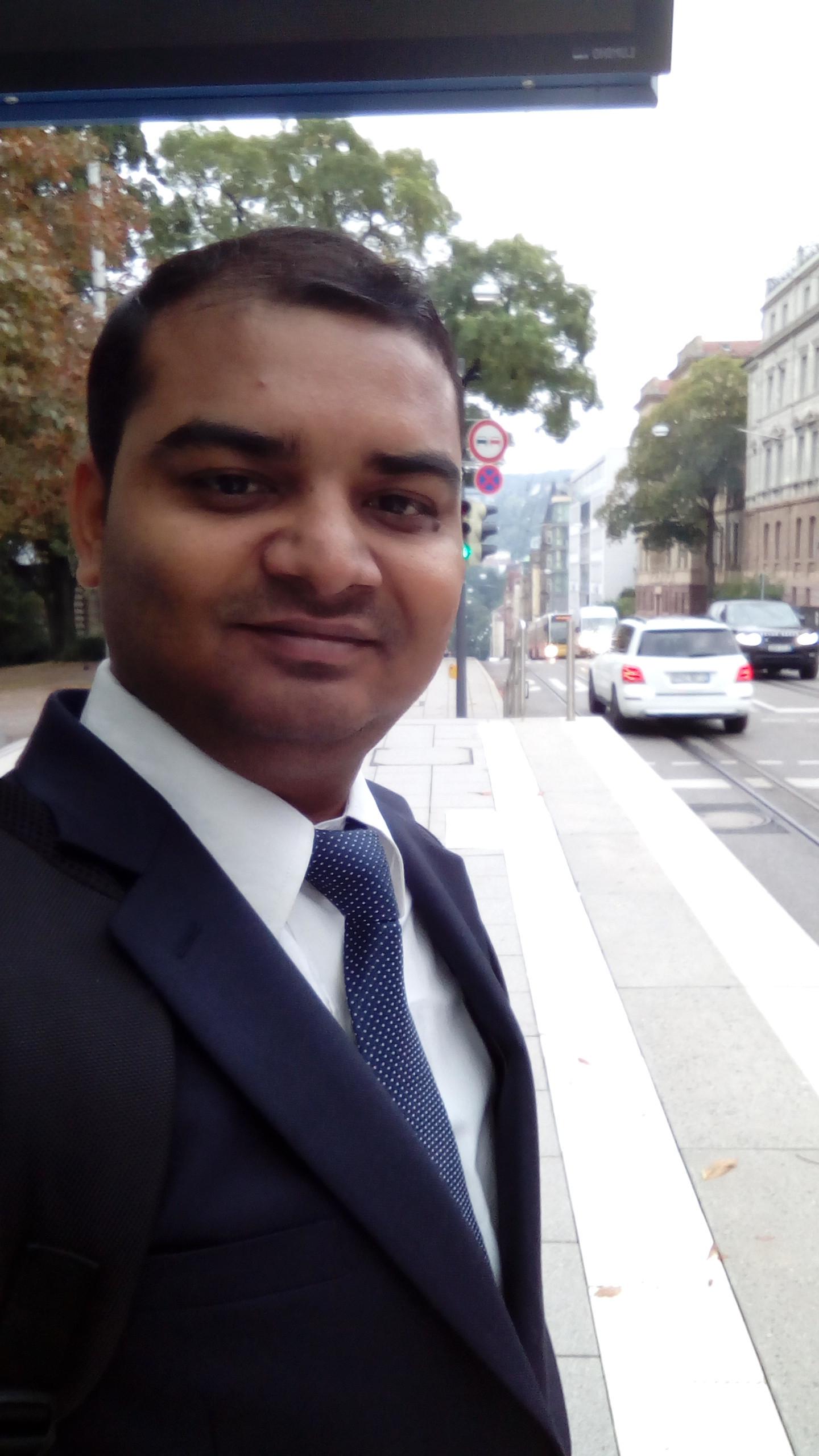 Dr. Soumen Maji